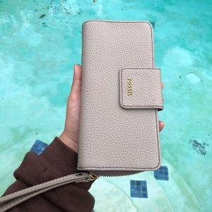 Fossil wallet clutch